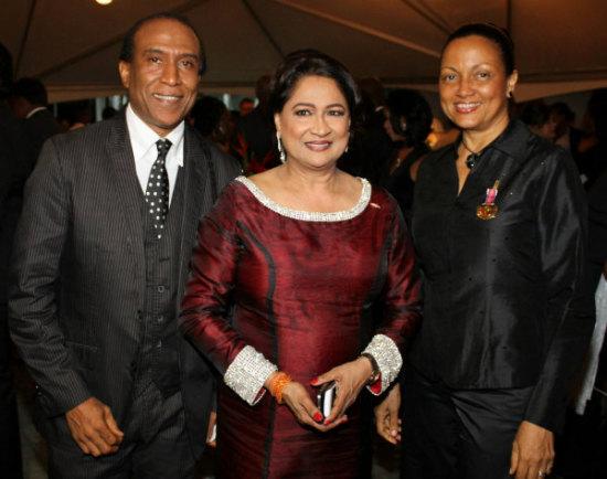 Debrah Lewis receives National Award